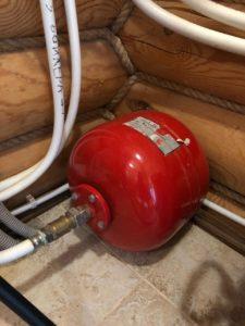 Для чего нужен расширительный бачок в системе отопления